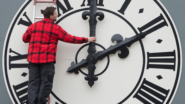 nouvel ordre mondial | Trois questions pas si bêtes sur la proposition d'en finir avec le changement d'heure