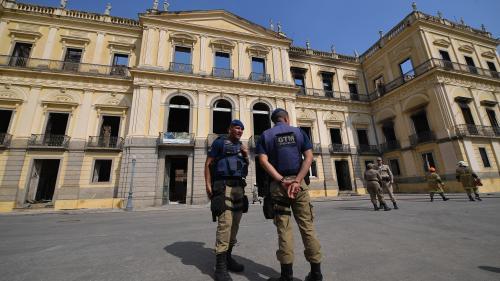 nouvel ordre mondial | L'incendie du Musée national de Rio de Janeiro est une