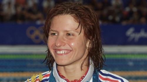 De réfugiée politique à médaillée olympique, on vous présente Roxana Maracineanu, la nouvelle ministre des Sports
