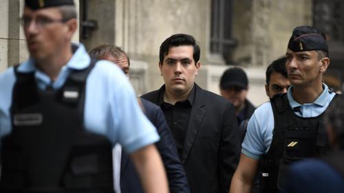 Relooking, trous de mémoire et projets d'avenir : au procès Méric, le principal accusé essaie de faire oublier le skinhead qu'il était