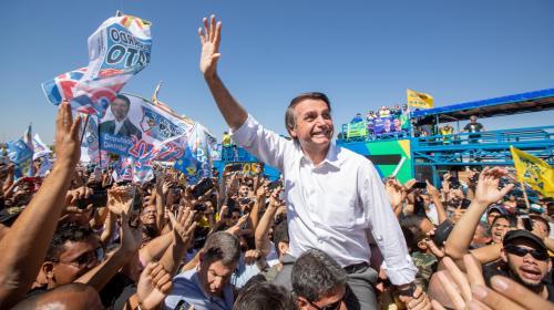 Brésil : Jair Bolsonaro remporte haut la main la présidentielle, le pays bascule à l'extrême droite