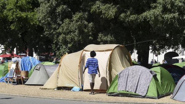 """Loire-Atlantique: la préfète juge """"parfaitement insupportable"""" l'existence d'un campement de migrants dans le centre de Nantes"""