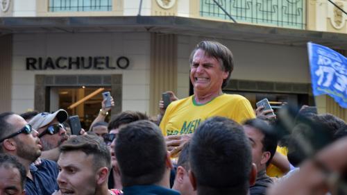 """Brésil : L'agresseur du candidat d'extrême-droite dit avoir agi """"sur l'ordre de Dieu"""""""