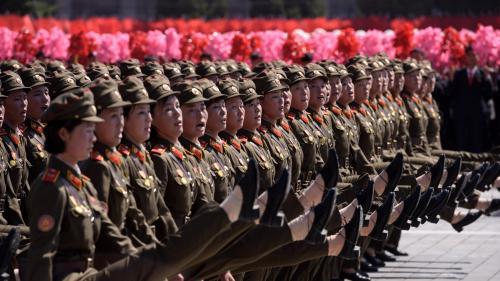 Corée du Nord : une parade militaire sans missile balistique pour célébrer les 70 ans du régime