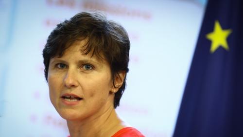 """""""Une annonce très brutale"""" : la nouvelle ministre des Sports Roxana Maracineanu réagit aux coupes budgétaires dans son ministère"""