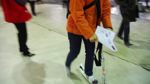 """""""Certains peuvent aller jusqu'à 40 km/h"""" : bientôt un permis pour les trottinettes à Paris?"""