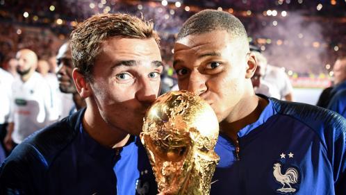 VIDEOS. Après la célébration ratée des Champs-Elysées, les Bleus ont (enfin) eu la fête qu'ils méritaient