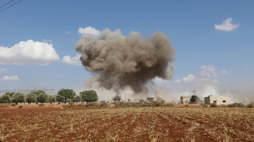 """VIDEO. Syrie : à Idleb, bombardée par le régime, """"les gens vivent en attendant la mort"""""""