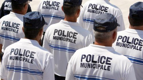 Quatre questions sur l'armement des policiers municipaux qu'un rapport parlementaire propose de rendre obligatoire