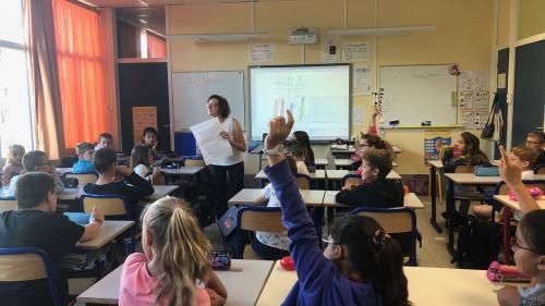Apprentissage des langues étrangères : la France progresse mais fait toujours partie des mauvais élèves en Europe