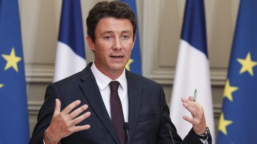 """Le plan pauvreté du gouvernement sera doté de """"8 milliards d'euros répartis sur quatre ans"""", annonce Benjamin Griveaux"""