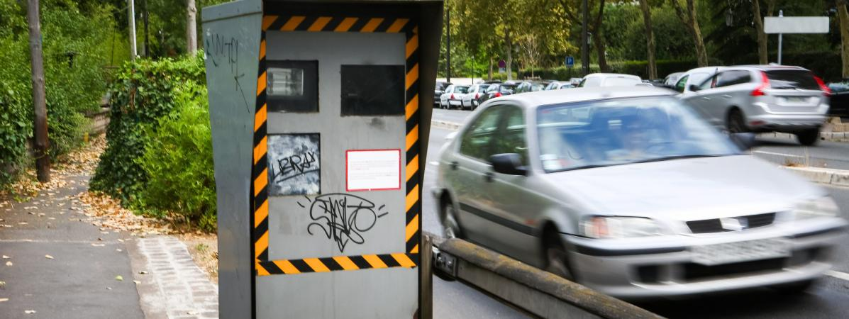 Un radar automatique vendalisé à Boulogne-Billancourt (Hauts-de-Seine).