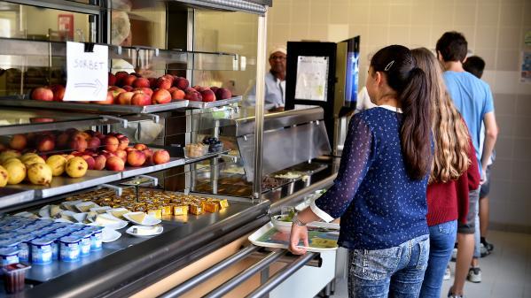 """L'Assemblée nationale vote pour """"l'expérimentation"""" de menus végétariens dans les cantines scolaires"""