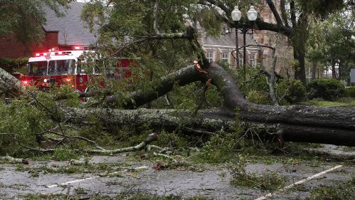 L'ouragan Florence, rétrogradé en tempête tropicale, a fait au moins quatre morts