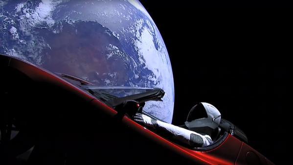 """SpaceX veut envoyer un touriste autour de la lune en 2022 : """"C'est totalement irréaliste"""""""