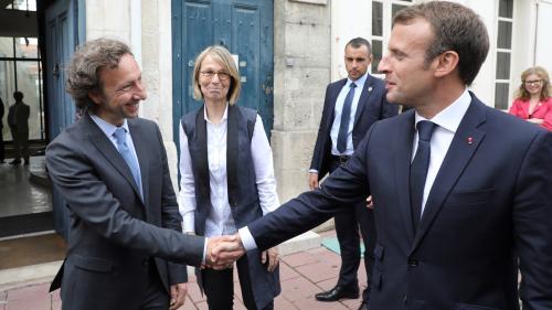 """Emmanuel Macron salue """"les excellents résultats"""" de la mission de Stéphane Bern sur le patrimoine"""
