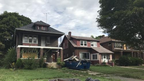 """""""Tous ces bâtiments abandonnés, c'est assez dingue"""" : dix ans après la crise des subprimes, nous sommes retournés à Detroit, aux Etats-Unis"""