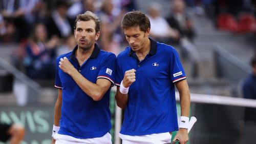 Coupe Davis : face à l'Espagne, la France est à une marche de la finale ! Regardez le double décisif avec Julien Benneteau et Nicolas Mahut   https://www.francetvinfo.fr/sports/tennis/coupe-davis/direct-coupe-davis-demi-finale-france-espagne-double-julien