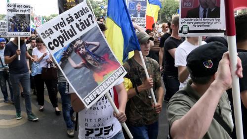 La Roumanie envisage d'interdire le mariage homosexuel