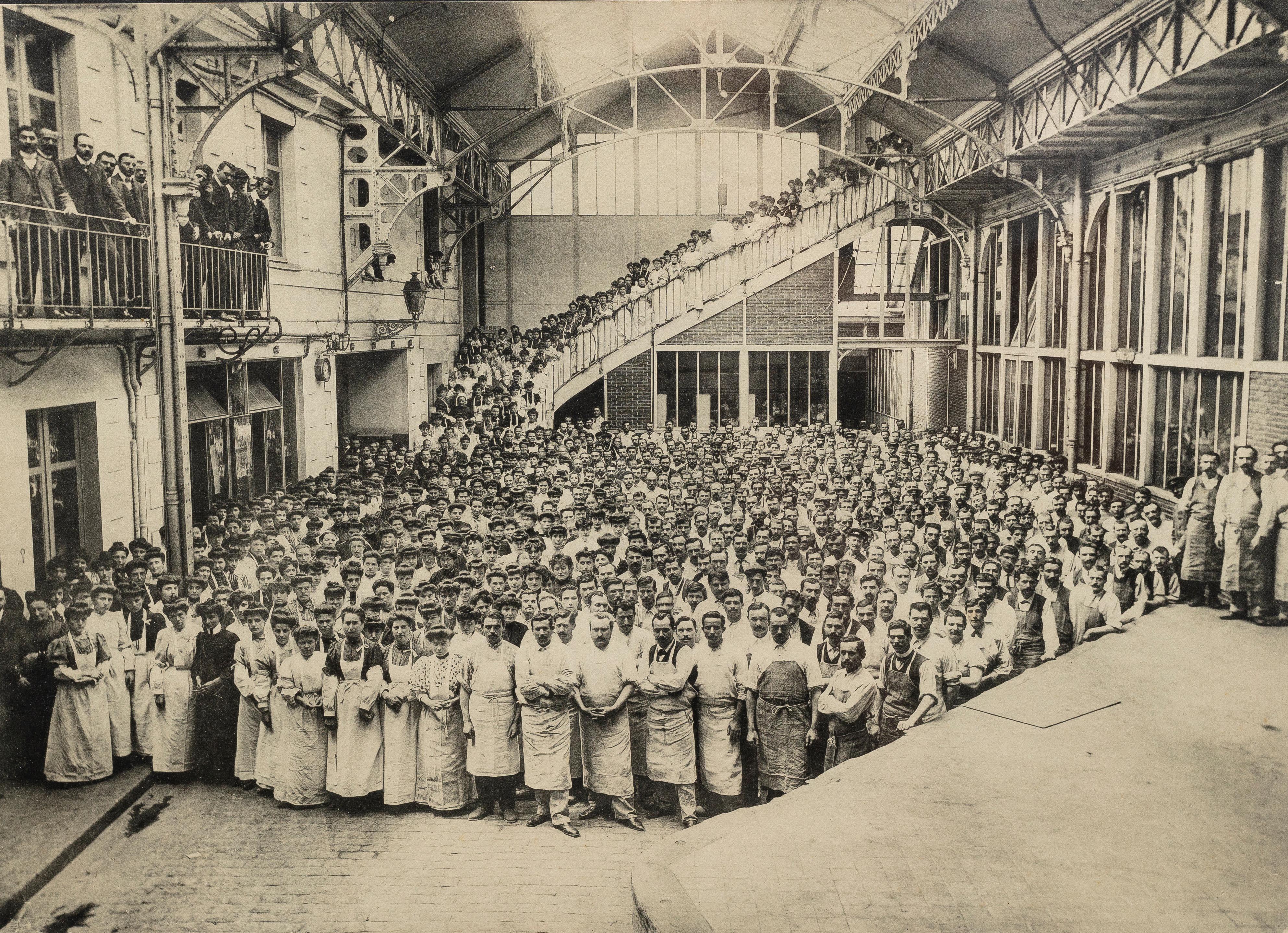 Le personnel de la maison LU vers 1907 (collection Olivier Fruneau-Maigret).