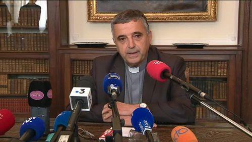 """VIDEO. """"Il m'a avoué une conduite inconvenante"""" : l'archevêque de Rouen s'exprime après le suicide d'un prêtre"""