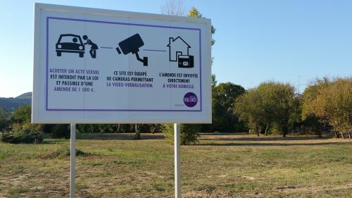 Drôme : la ville de Valence a fait installer quatre grands panneaux pour lutter contre la prostitution