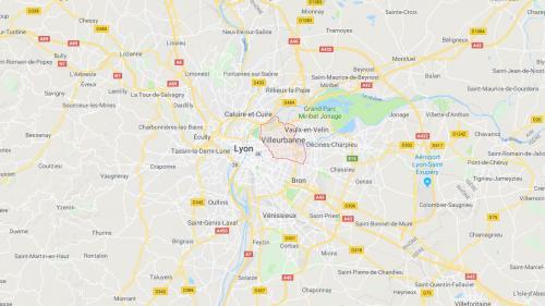 Villeurbanne : une voiture prise en chasse par la police renverse mortellement un cycliste et blesse un piéton