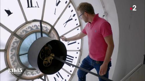 VIDEO. Patrimoine : avec le maître de l'horloge de l'hôtel de ville de Paris