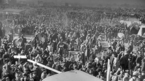 """VIDEO. """"Histoires d'une nation"""" : quand la France envoyait les réfugiés espagnols dans des """"camps de concentration"""""""