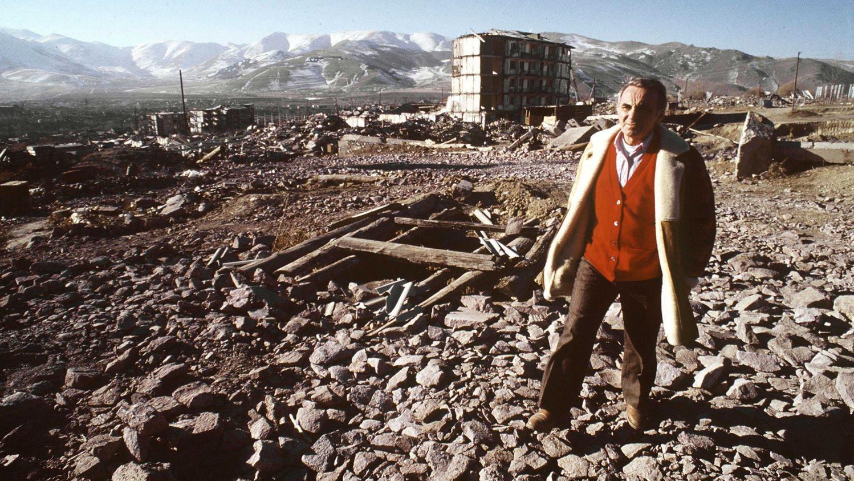 il ne s 39 est jamais cach d 39 tre arm nien comment charles aznavour restait li au pays d. Black Bedroom Furniture Sets. Home Design Ideas