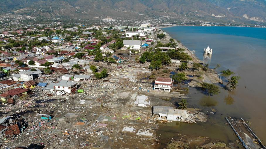 Tsunami en Indonésie : la ville de Palu a été dévastée