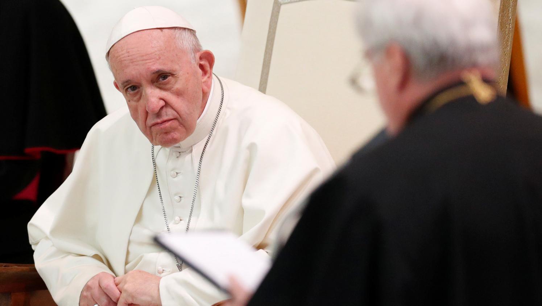 avortement les propos chocs du pape fran ois. Black Bedroom Furniture Sets. Home Design Ideas