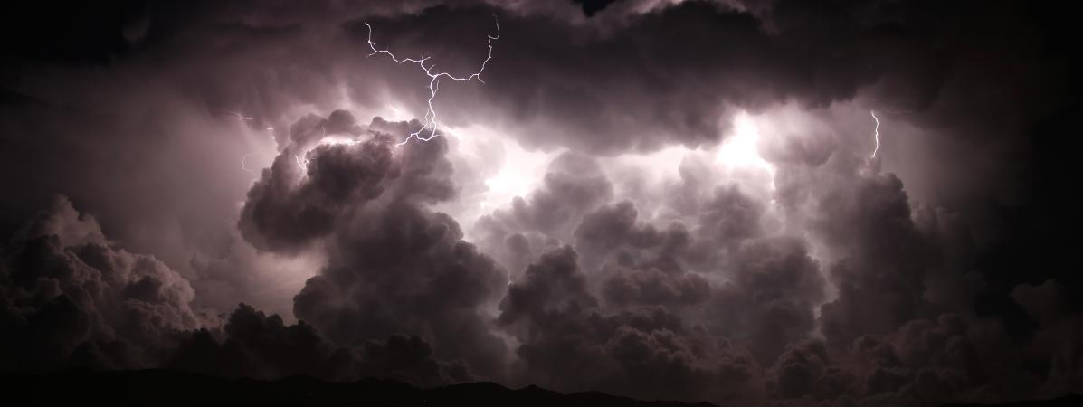 Un orage nocturne, dans la vallée de Taravo, en Corse-du-Sud, le 15 août 2018.