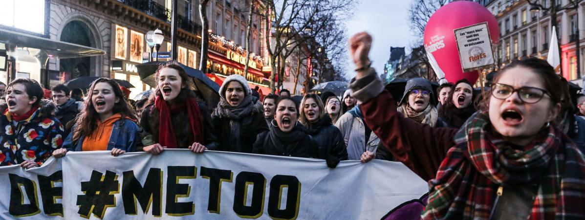 Des femmes manifestent lors de la Journée internationale des droits des femmes, le 8 mars 2018 à Paris.