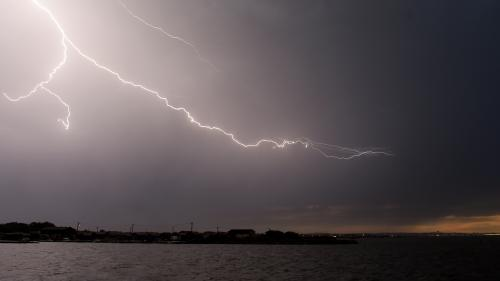 Sept départements du Sud placés en vigilance orange en raison de fortes pluies et d'orages