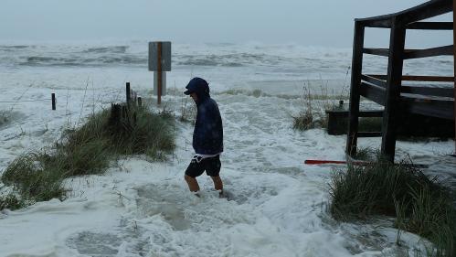 L'ouragan Michael commence à souffler sur la Floride