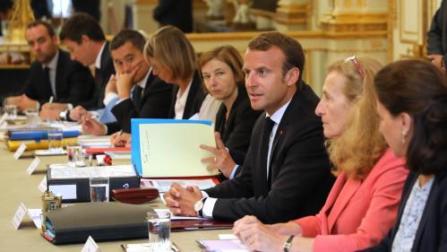 DIRECT. Le remaniement n'aura pas lieu avant le retour d'Emmanuel Macron d'Arménie vendredi soir, annonce l'Elysée