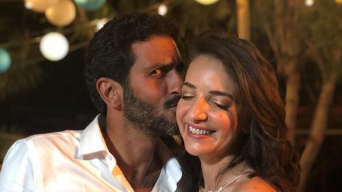 Israël : le mariage entre un acteur juif et une présentatrice arabe déchaîne les passions