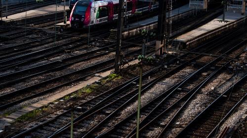 Paris : un cheminot meurt percuté par un train près de la gare Saint-Lazare