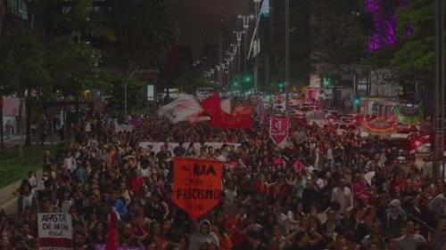 Brésil : les anti-Bolsonaro dans la rue