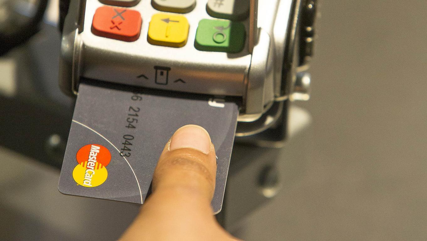 La carte bancaire à empreinte digitale arrive