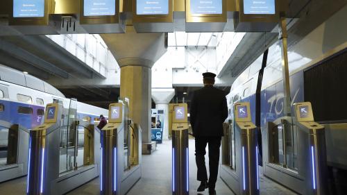 Dans les Hauts-de-Seine, les agents SNCF qui dressent le plus de PV reçoivent des chèques-cadeaux