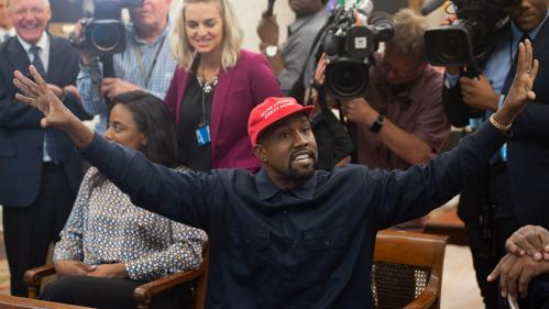 "VIDEO. ""Vous avez fait un Superman"" : le show de Kanye West face à Donald Trump dans le Bureau ovale"