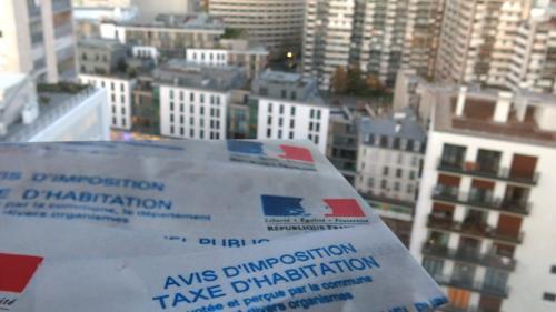 """Gérald Darmanin """"n'a pas de leçon à donner"""" aux communes, répond l'association des maires de France"""