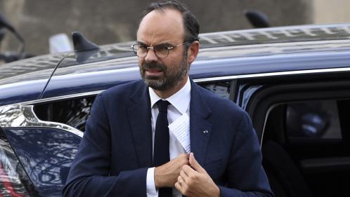 Remaniement reporté, déplacements avec les forces de l'ordre, discours à l'Assemblée... La semaine où Edouard Philippe s'est démultiplié