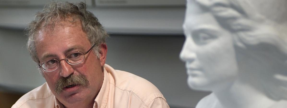 Marc Vuillemont, le maire de La Seyne-sur-Mer, lors d'une conférence de presse le 28 juillet 2011.