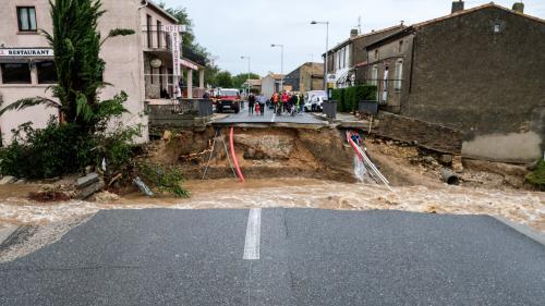 """Intempéries dans l'Aude : """"Face à cette catastrophe, on ne sait plus comment, par quoi et où commencer"""", se désole un habitant sous le choc"""