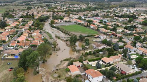 """VIDEO. """"Il s'est mis à pleuvoir très, très fort"""" : un habitant raconte le déluge dans l'Hérault"""