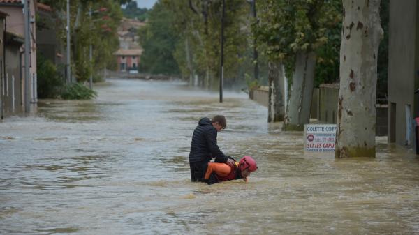 Inondations dans l'Aude : les vidéos de la montée des eaux