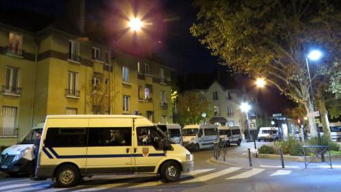 Seine-Saint-Denis : cinq mineurs en garde à vue après la mort d'un adolescent, frappé à coups de barre de fer